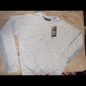 Nwt under armour gray sweatshirt size Small